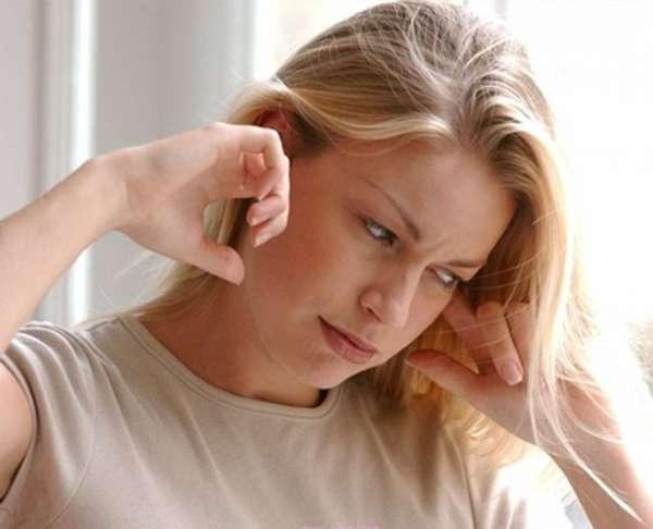 Симптомы таракана в ухе