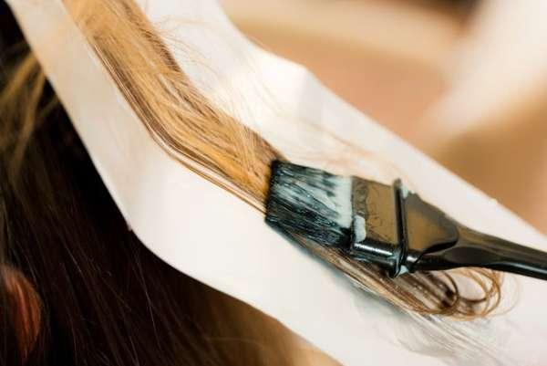 Избавиться от вшей поможет только окрашивание в блонд