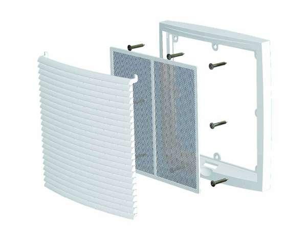 Замена вентиляционной решетки поможет предотвратить попадание тараканов в квартиру